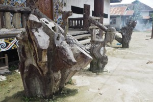 Balai Adat Desa Pimping, authentic, village, destination, Indonesia, Bulungan, Tanjung Palas Utara, Suku Dayak Kenyah, sculptures, native, tribe, Obyek wisata, Tourism, travel guide, Transborneo, 婆罗洲旅游景点,