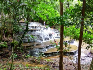 Air Terjun, Semolon Waterfall, nature, exploration, backpackers, Borneo, Malinau, Mentarang, Desa Paking, family vacation, wisata alam, Tourism, tourist attraction, crossborder, 北加里曼丹, 婆罗洲瀑布