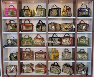 cafe equato, bags, rotan, handmade, indigenous, destination, native, tribe, tribal motif, obyek wisata, travel guide, tourism, transborder, 婆罗洲旅游景点, 藤制工艺品