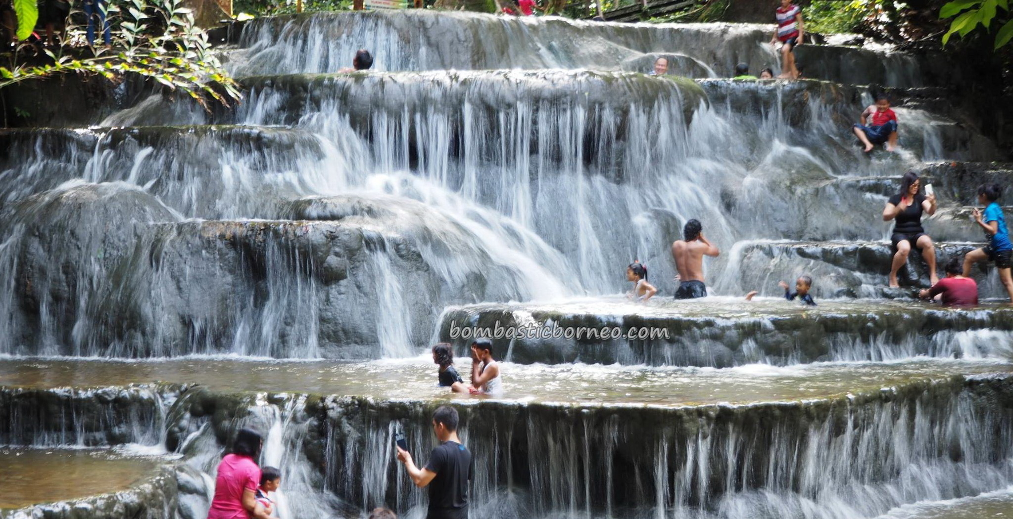 Air Terjun, Cascade, air panas, outdoor, backpackers, Indonesia, Kalimantan Utara, Mentarang, hidden paradise, family vacation, Obyek wisata, tourist attraction, travel guide, transborder, 北加里曼丹, 婆罗洲瀑布