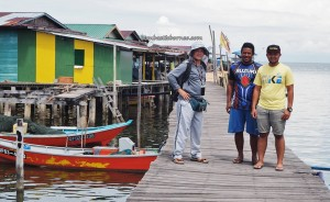 Kampung Awat-Awat, Floating House, traditional, backpackers, destination, Borneo, Limbang, Malaysia, nelayan, Tourism, travel guide, seafood, dried prawn, Keropok tahai, transborder, 砂拉越旅游景点
