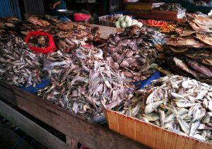 Jembatan Kapuas, Pasar pagi, local market, authentic, Borneo, Indonesia, Kapuas hulu, Kapuas river, Obyek wisata, Tourism, tourist attraction, traditional, travel guide, Transborneo, 婆罗洲西加里曼丹