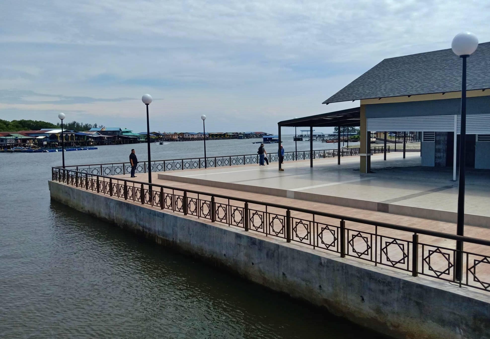 Sarawak, Malaysia, Borneo, destination, fishing village, water village, floating house, Kampung Melayu, Tourism, traditional, transborder, travel guide, 砂拉越婆罗洲, 旅游景点,