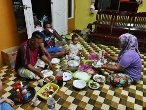 Malay, fishing village, authentic, traditional, backpackers, Borneo, Malaysia, nelayan, Tourism, tourist attraction, travel guide, keropok tahai, seafood, homestay,