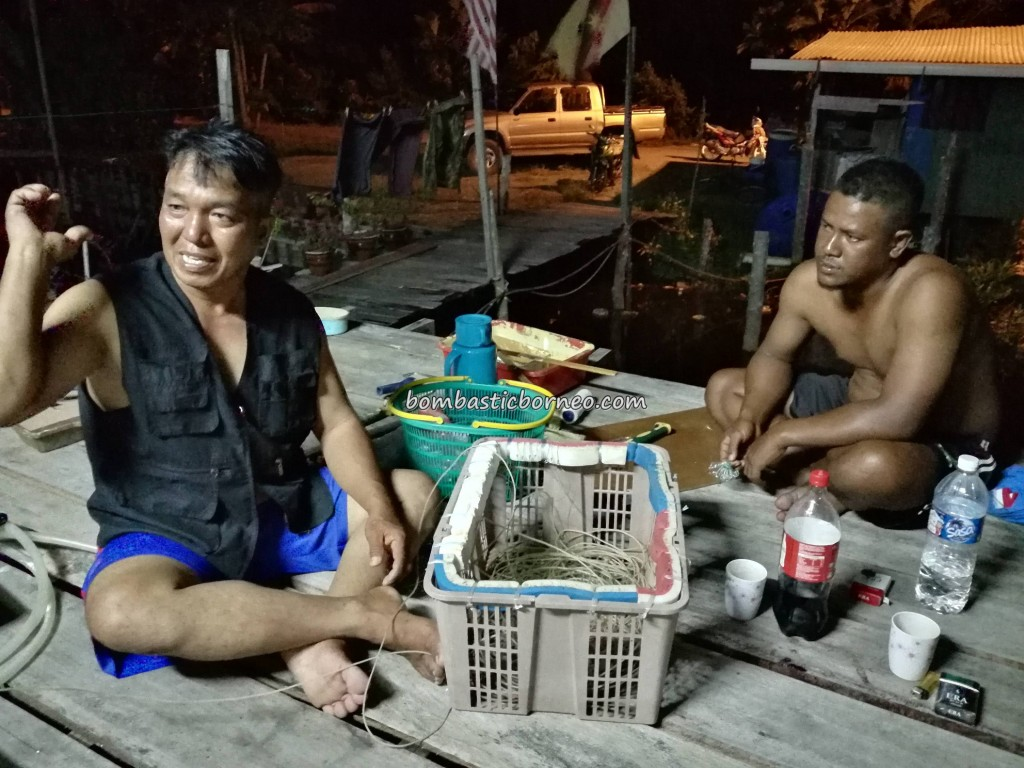Fishing, Malay Village, authentic, traditional, backpackers, Borneo, Tourism, tourist attraction, travel guide, seafood, exotic delicacy, udang kering, dried shrimp, smoked fish, Ikan Tahai