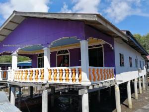 Awat-Awat, Kampung Melayu, fishing village, floating house, traditional, backpackers, destination, Borneo, Limbang, tourist attraction, travel guide, dried shrimp, smoked fish, Keropok Tahai