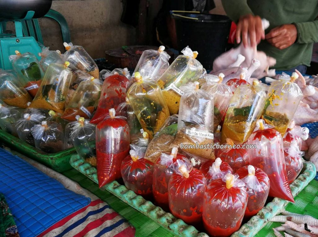 Jembatan Kapuas, Pasar pagi, local market, authentic, backpackers, destination, Kalimantan Barat, Kapuas hulu, bumbu, spices, Tourism, tourist attraction, traditional, native,
