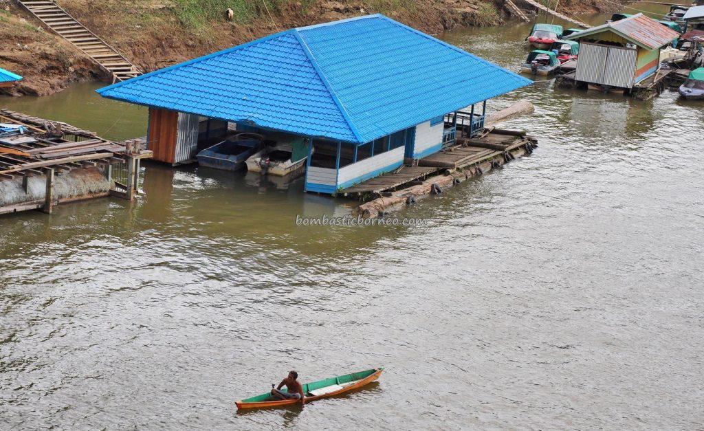 Jembatan Kapuas, rumah lanting, floating house, authentic, backpackers, Borneo, Indonesia, Sungai Kapuas, Tourism, tourist attraction, traditional, travel guide, native, crossborder, 婆罗洲旅游景点,