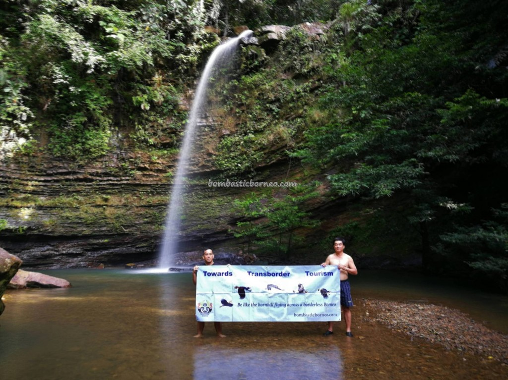 Air Terjun, jungle chalets, adventure, nature, outdoor, exploration, hidden paradise, freshwater fish, Borneo, Sarawak, Malaysia, Tourism, tourist attraction, crossborder, 砂拉越瀑布, 婆罗洲旅游景点,