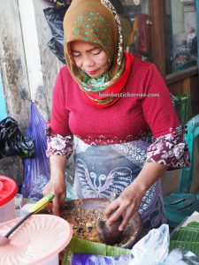 Gago-gado, Pasar pagi, authentic, backpackers, destination, Indonesia, Kapuas hulu, Sungai Kapuas, Obyek wisata, tourist attraction, traditional, travel guide, native, exotic delicacy,