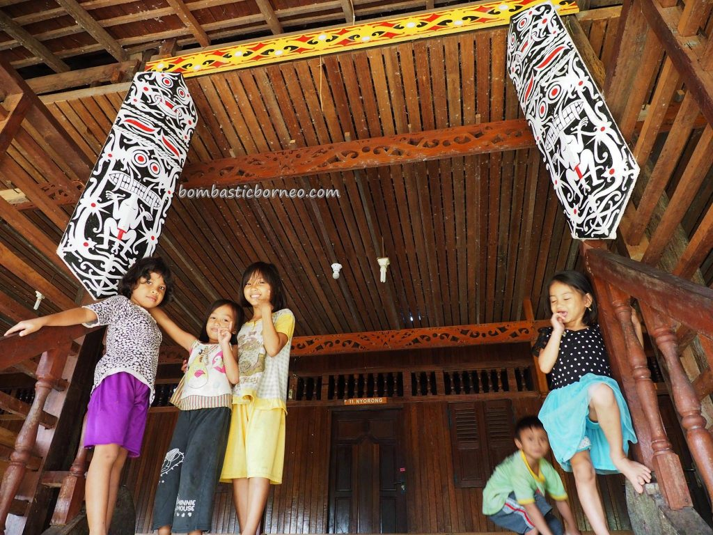 longhouse, traditional, village, Borneo, Indonesia, Kalimantan Barat, Kapuas Hulu, Dusun Danumdoro, Ethnic, native, indigenous, tribe, Obyek wisata, travel guide, 婆罗洲, 原住民长屋