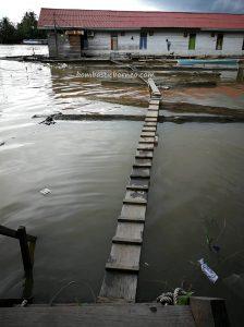 Jembatan Kapuas, floating house, adventure, authentic, backpackers, destination, Borneo, Kapuas hulu, Sungai Kapuas, Obyek wisata, Tourism, tourist attraction, traditional, transborder, 婆罗洲西加里曼丹