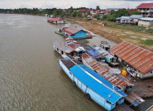Jembatan Kapuas, floating house, adventure, authentic, destination, Indonesia, Kalimantan Barat, Obyek wisata, Taman Alun, Tourism, tourist attraction, traditional, travel guide, crossborder, 西加里曼丹旅游景点