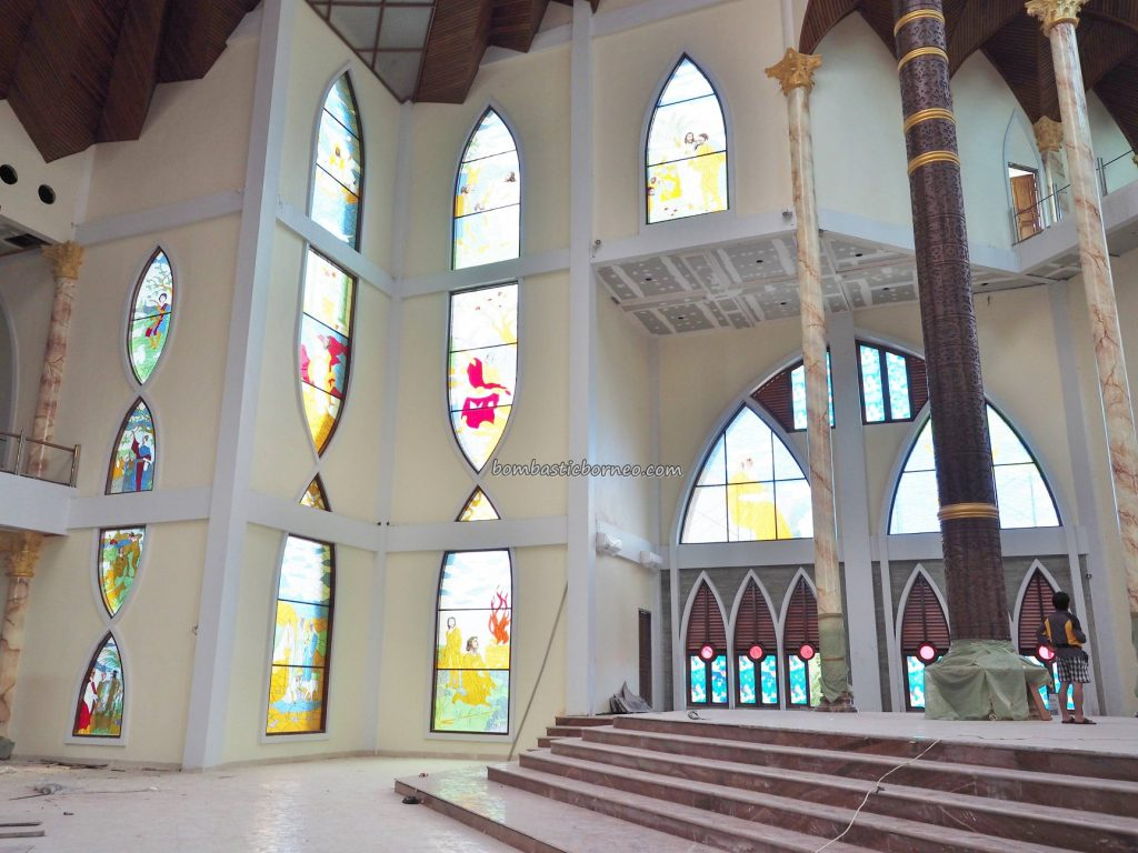 Sacred Heart of Jesus, Gereja katolik, Katedral Hati Kudus Yesus, cathedral, Christian, kristen, backpackers, Kalimantan Barat, Pariwisata, tourist attraction, travel guide, wonderful, 婆罗洲桑高, 天主教教堂