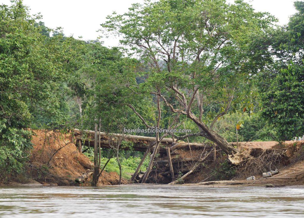 Longboat ride, River, adventure, nature, Borneo, Indonesia, Kalimantan Barat, village, Tourism, tourist attraction, travel guide, traditional, crossborder