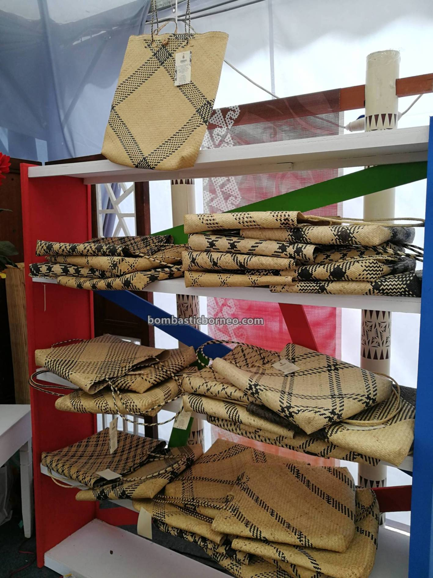 rotan, rattan products, traditional, Sarawak craft festival, handicrafts exhibition, event, native, dayak, Kraftangan Malaysia, Borneo, Tourism, tourist attraction, travel guide, Kuching Waterfront