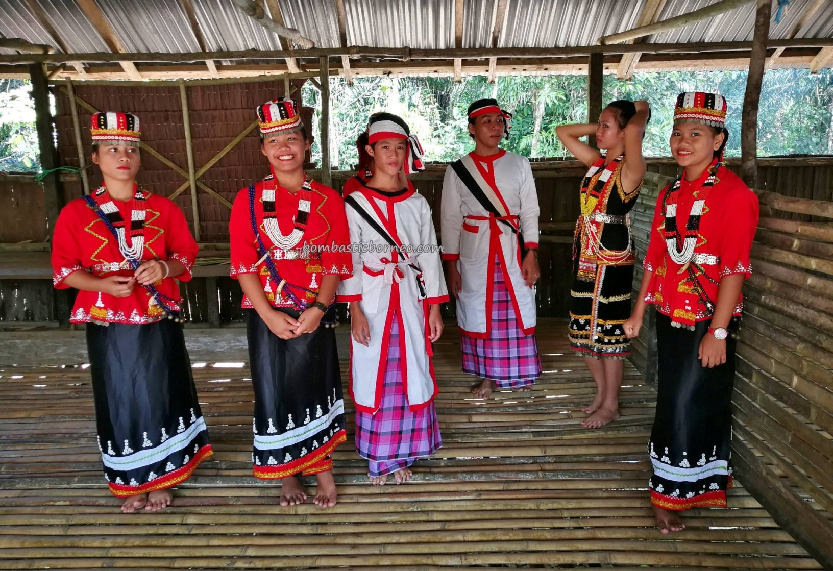 Pesta Batu Si'ib, Kampung Selampit, Paddy Harvest Festival, traditional, indigenous, culture, Borneo, Lundu, Kuching, native, tribal, Tourism, travel guide, crossborder, 砂拉越婆罗洲, 比达友族丰收节日