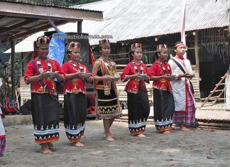 Pesta Batu Si'ib, Kampung Selampit, Gawai Harvest Festival, traditional, authentic, backpackers, Lundu, Malaysia, tribe, ritual, Tourism, travel guide, village, crossborder, 砂拉越婆羅洲, 比达友族丰收节日