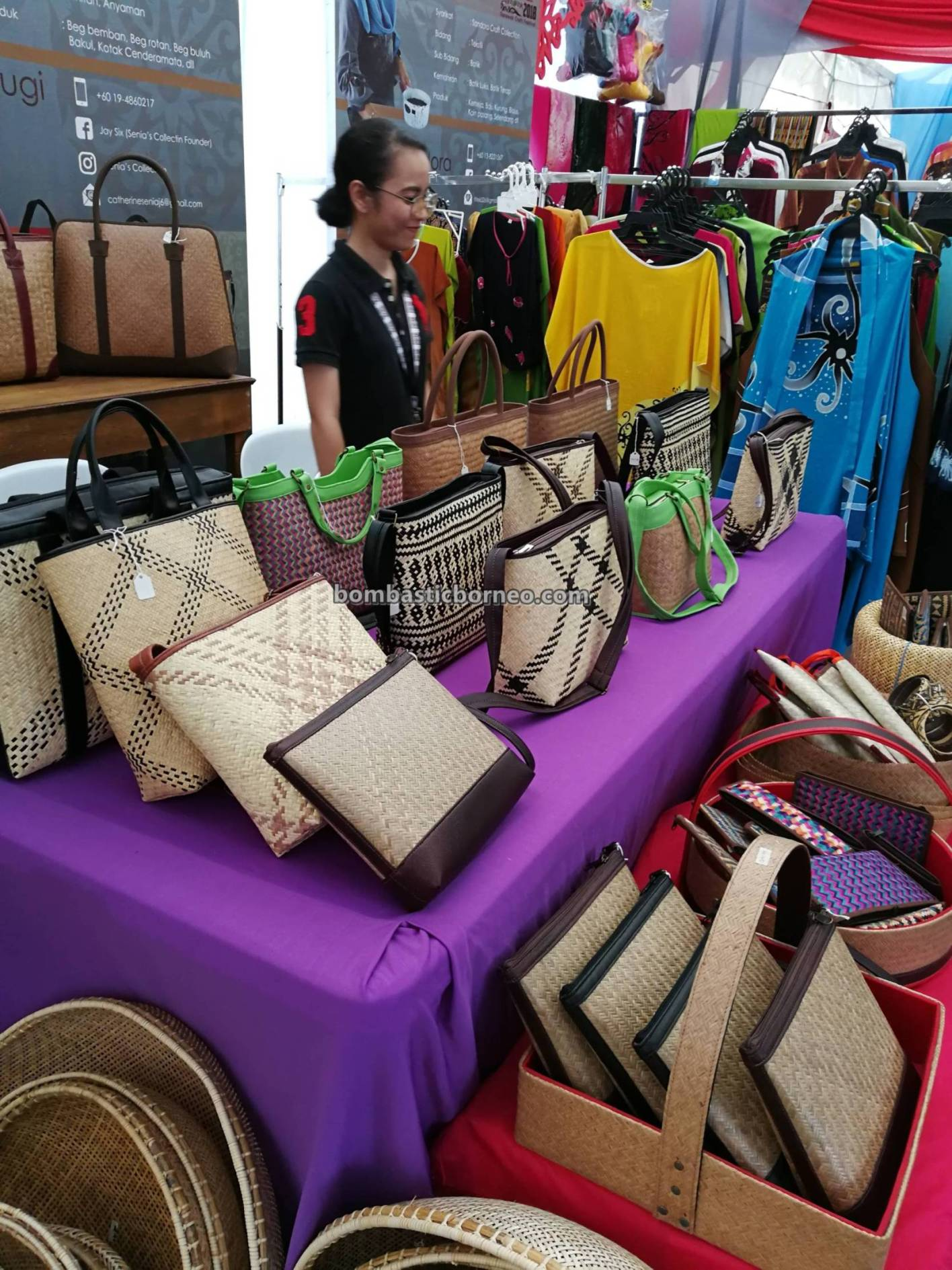 handicrafts exhibitions, event, handmade, aboriginal, native, dayak, Kraftangan, Borneo, Kuching Waterfront, Tourist attraction, travel guide, tribal, 砂拉越婆罗洲, 原住民手工艺品展览,