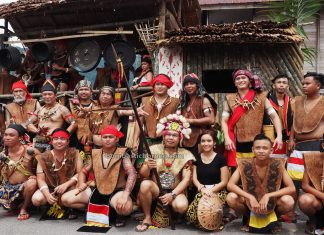 Kampung Taee, Gawai Harvest Festival, thanksgiving, traditional, culture, Malaysia, Serian, Kuching, Dayak Bidayuh, native, Tourism, travel guide, transborder, 砂拉越婆罗洲, 比达友族丰收节日