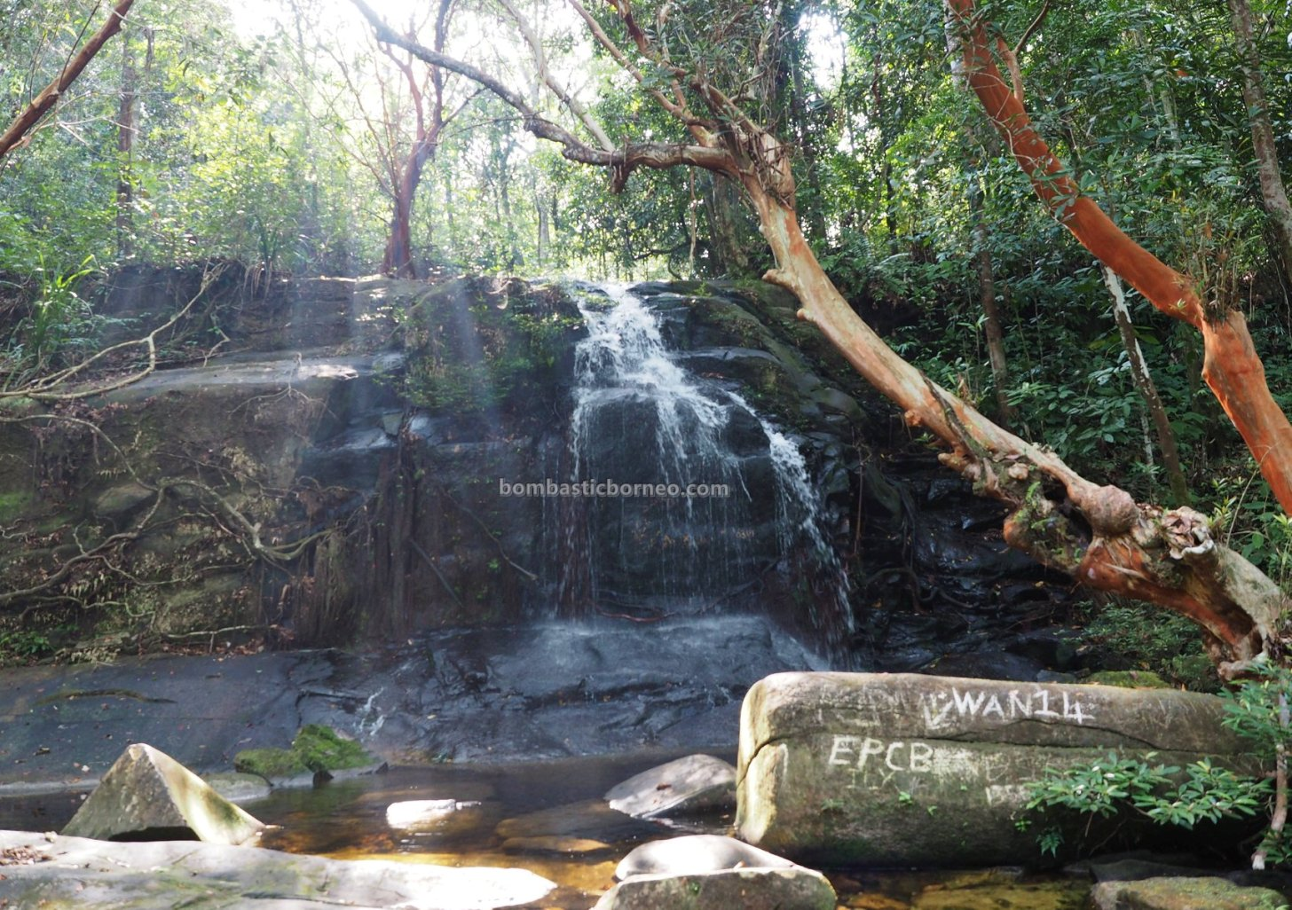 air terjun, adventure, nature, outdoor, exploration, jungle trekking, destination, Borneo, Engkilili, Sarawak, tourist attraction, travel guide, crossborder, 砂拉越婆罗洲, 瀑布旅游景点,