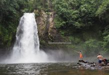 air terjun, adventure, nature, outdoor, jungle trekking, exploration, destination, Borneo, Desa Bengkilu, Sanggau Ledo, Obyek wisata, Tourism, travel guide, transborder, 印尼西加里曼丹, 孟加映瀑布旅游,