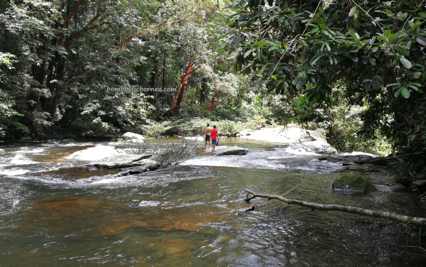 Riam Menajur, Waterfall, nature, outdoor, jungle trekking, exploration, backpackers, Bengkayang, Borneo, Indonesia, West Kalimantan, Tourism, travel guide, crossborder, 西加里曼丹婆羅洲, 印尼瀑布旅游
