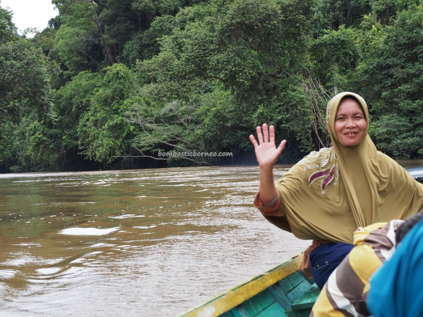 boat ride, river, adventure, nature, outdoor, destination, Borneo, Kalimantan Barat, Putussibau Selatan, tourist attraction, Tourism, travel guide, transborder, 印尼西加里曼丹,