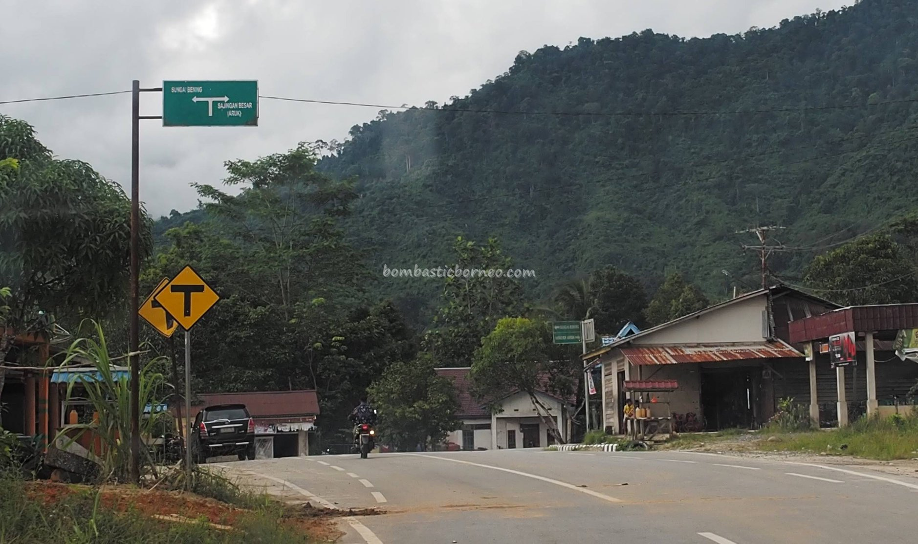 berbatasan, Sungai Bening, Biawak-Aruk Border Post, adventure, Borneo, Indonesia, West Kalimantan, Sajingan Besar, Sambas, Obyek wisata, Tourism, tourist attraction, travel guide, transborder, Trans Kalimantan