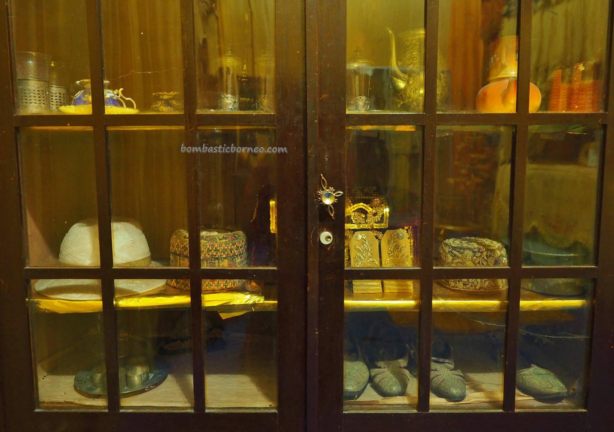 Palace, Istana Kerajaan, Kesultanan Melayu, history, traditional, backpackers, Dayak Melayik, Borneo, West Kalimantan, museum, Obyek wisata, travel guide, crossborder, 印尼西加里曼丹, 三发皇宮,