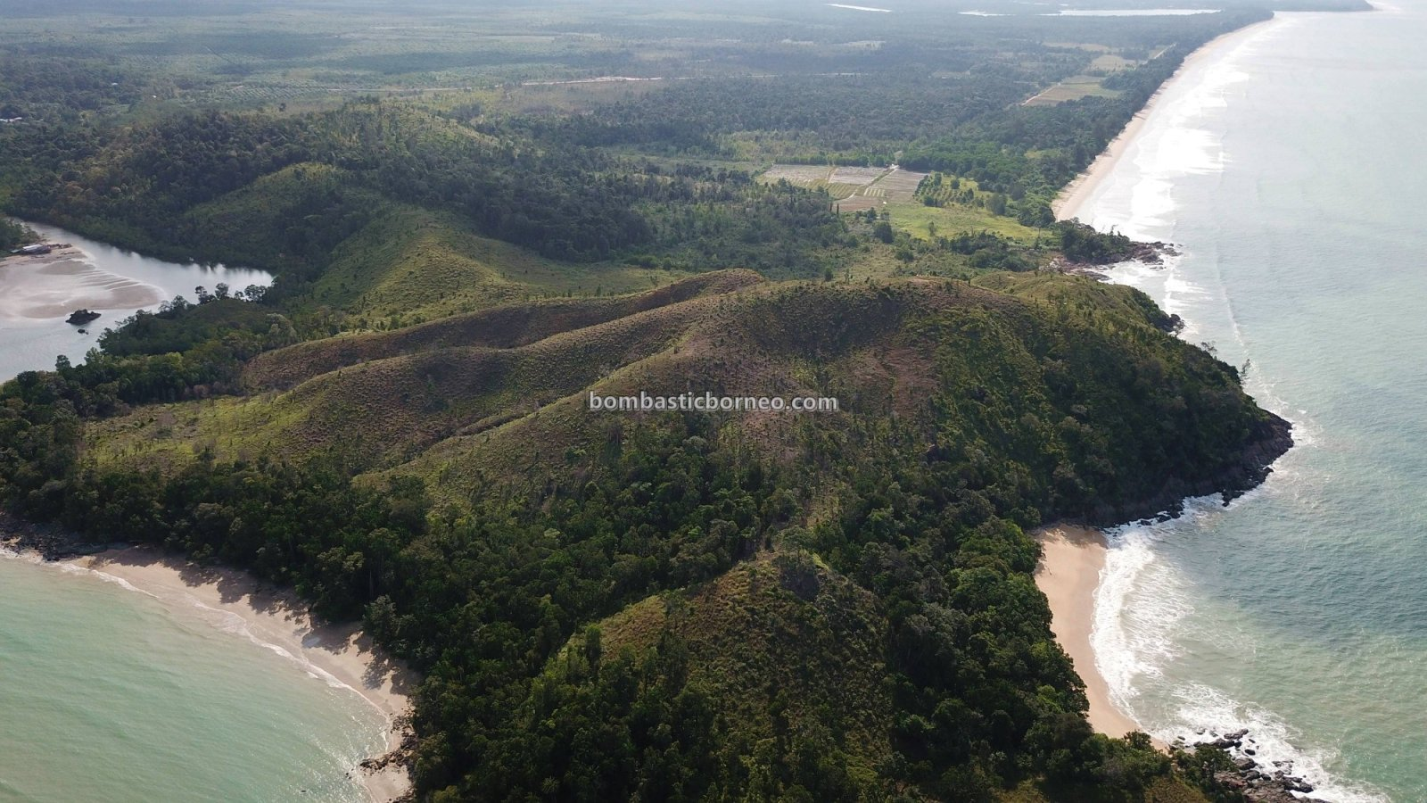 Bukit Gondol, Kampung, Beach, nature, backpackers, exploration, family vacation, Borneo, Kuching, Sematan, Tourism, tourist attraction, crossborder, 砂拉越海滩, 马来西亚旅游
