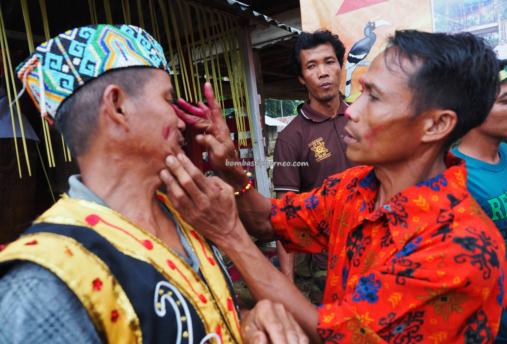Nyabakng, authentic village, indigenous, traditional, skull feeding, destination, Bengkayang, Indonesia, Kalimantan Barat, Dusun Laek, native, tribe, tribal, travel guide, 婆罗洲西加里曼丹, 原住民丰收节日