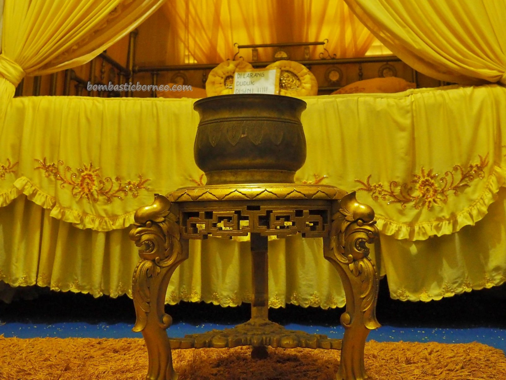 Palace, Istana Kerajaan, Malay Sultanate, history, ancient, antique, traditional, Dayak Melayik, Ethnic, West Kalimantan, museum, tourist attraction, travel guide, 婆罗洲旅游景点, 三发皇宮,