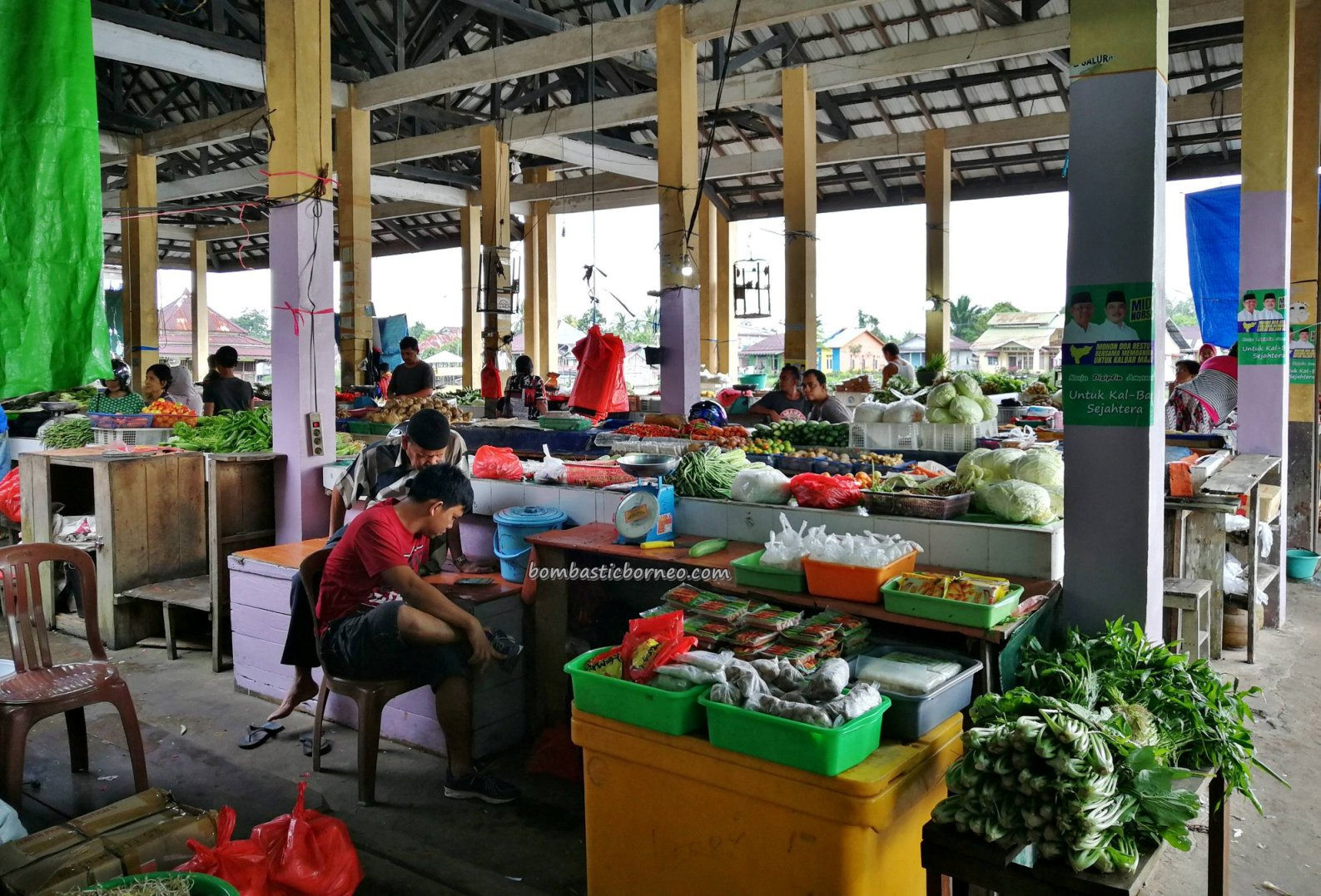 vegetable market, adventure, authentic, traditional, destination, native, malay village, Borneo, Obyek wisata, Tourism, tourist attraction, travel guide, crossborder, 印尼西加里曼丹, 三发旅游景点,
