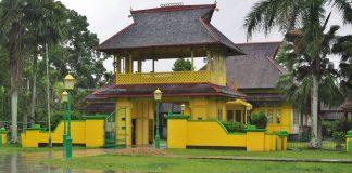 Istana Kerajaan, Keraton, ancient, antique, authentic, destination, Dayak Melayik, town, museum, Tourism, tourist attraction, travel guide, transborneo, 婆罗洲西加里曼丹, 三发皇宮,
