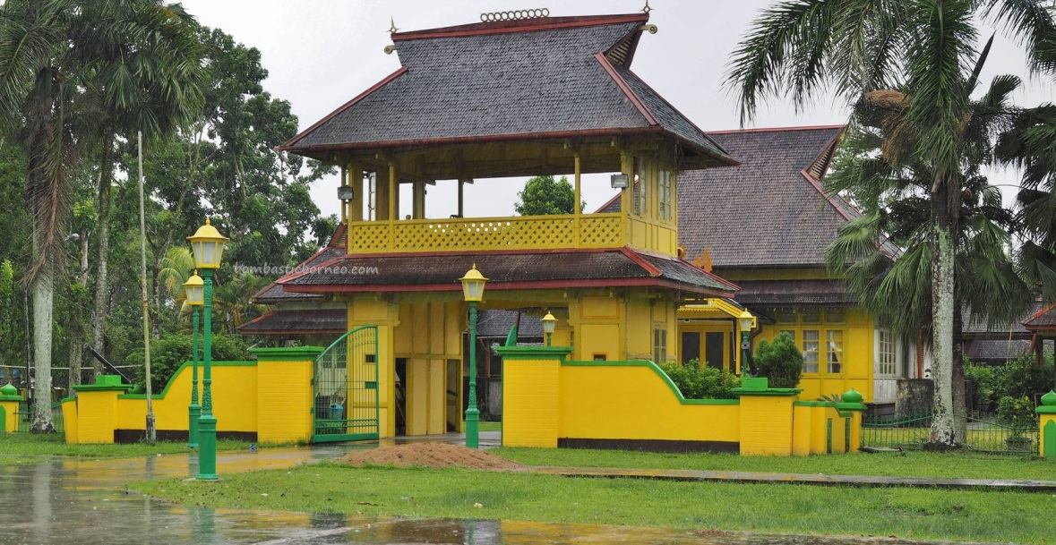 Istana Kerajaan, Keraton, ancient, antique, authentic, destination, Dayak Melayik, town, museum, Tourism, tourist attraction, travel guide, transborneo, 婆罗洲西加里曼丹, 三发皇宮,