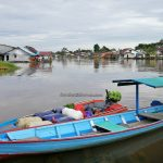 perahu tambang, adventure, authentic, traditional, backpackers, destination, native, malay village, floating house, Tourism, tourist attraction, travel guide, transborneo, 印尼西加里曼丹, 婆羅洲旅游景点,