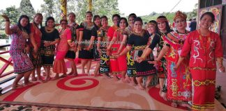 Rumah Betang Raya Dori Mpulor, harvest festival, authentic, traditional, culture, Borneo, native, tribe, tribal, Obyek wisata, travel guide, trans border, 跨境婆罗洲游踪, 印尼西加里曼丹, 上侯传统土著文化