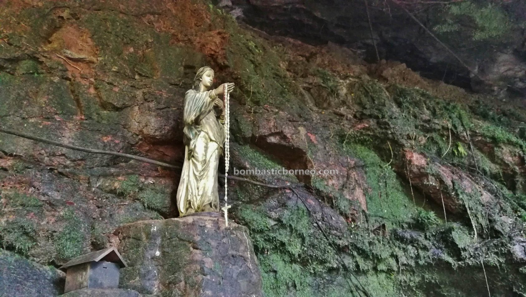 Virgin Mary Grotto, air terjun, Riam Macan, catholic, katolik, backpackers, Borneo, Kalimantan Barat, Tourism, tourist attraction, travel guide, 印尼西加里曼丹, 上侯旅游景点,