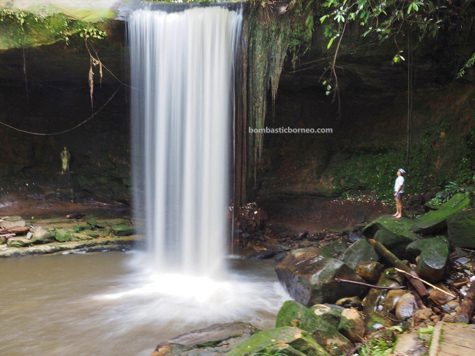 Virgin Mary Grotto, air terjun, Riam Macan, catholic, katolik, backpackers, Borneo, Kalimantan Barat, Tourism, tourist attraction, travel guide, 印尼西加里曼丹, 上侯旅游景点,