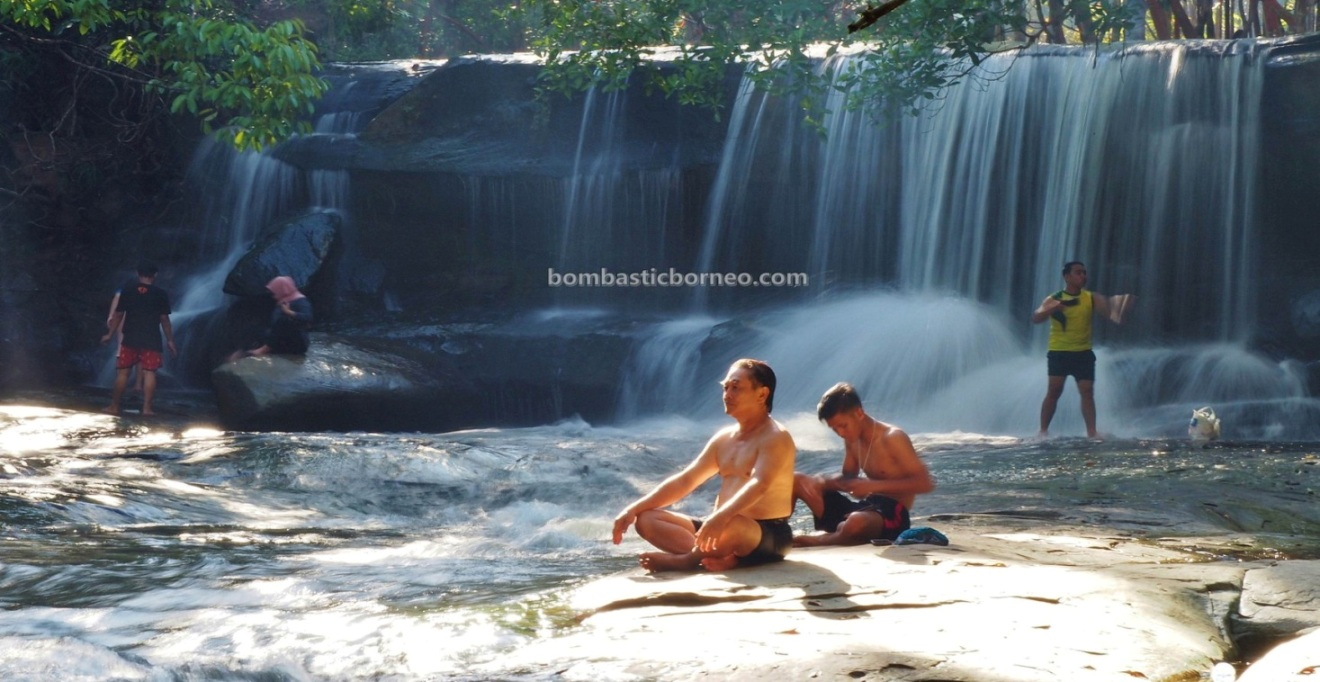 air terjun, adventure, nature, outdoor, backpackers, exploration, family vacation, picnic, Borneo, Obyek wisata, Tourism, travel guide, Trans Border, 上侯婆罗洲瀑布, 印尼西加里曼丹,