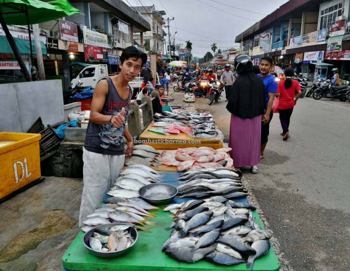 backpackers, destination, Borneo, Kalimantan Barat, local market, native, Obyek wisata, Tourism, tourist attraction, town, traditional, Trans Border, 印尼西加里曼丹, 上侯旅游