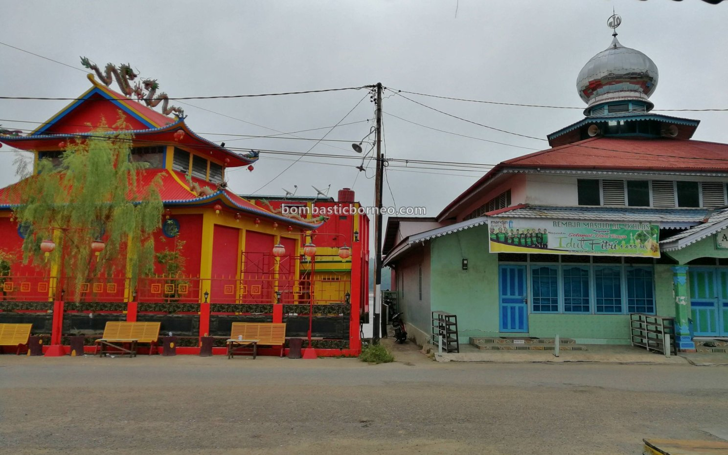 backpackers, destination, exploration, Borneo, Indonesia, Obyek wisata, Pariwisata, Tourism, town, traditional, travel guide, cross border, 上侯婆罗洲游踪, 印尼西加里曼丹