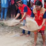 Lomba menampik padi, Rumah Betang Raya Dori Mpulor, harvest festival, thanksgiving, authentic, destination, culture, Borneo, West Kalimantan, native, tribe, Obyek wisata, Tourism, 西加里曼丹上侯, 婆罗洲丰收节旅游
