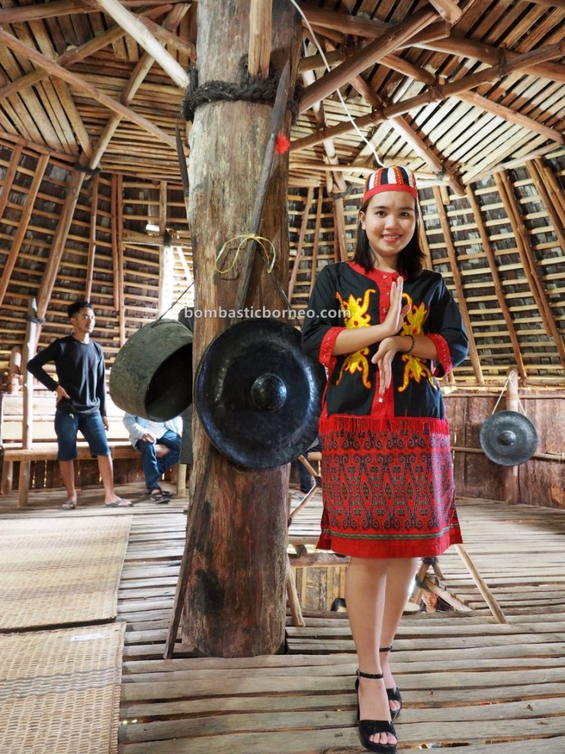 harvest festival, Rumah Adat Baluk, Thanksgiving, Indigenous, ethnic, tribal, Bengkayang, Borneo, Jagoi Babang, Kalimantan Barat, tourist attraction, travel guide, Trans Border, 印尼西加里曼丹原住民, 比达友族传统丰收节