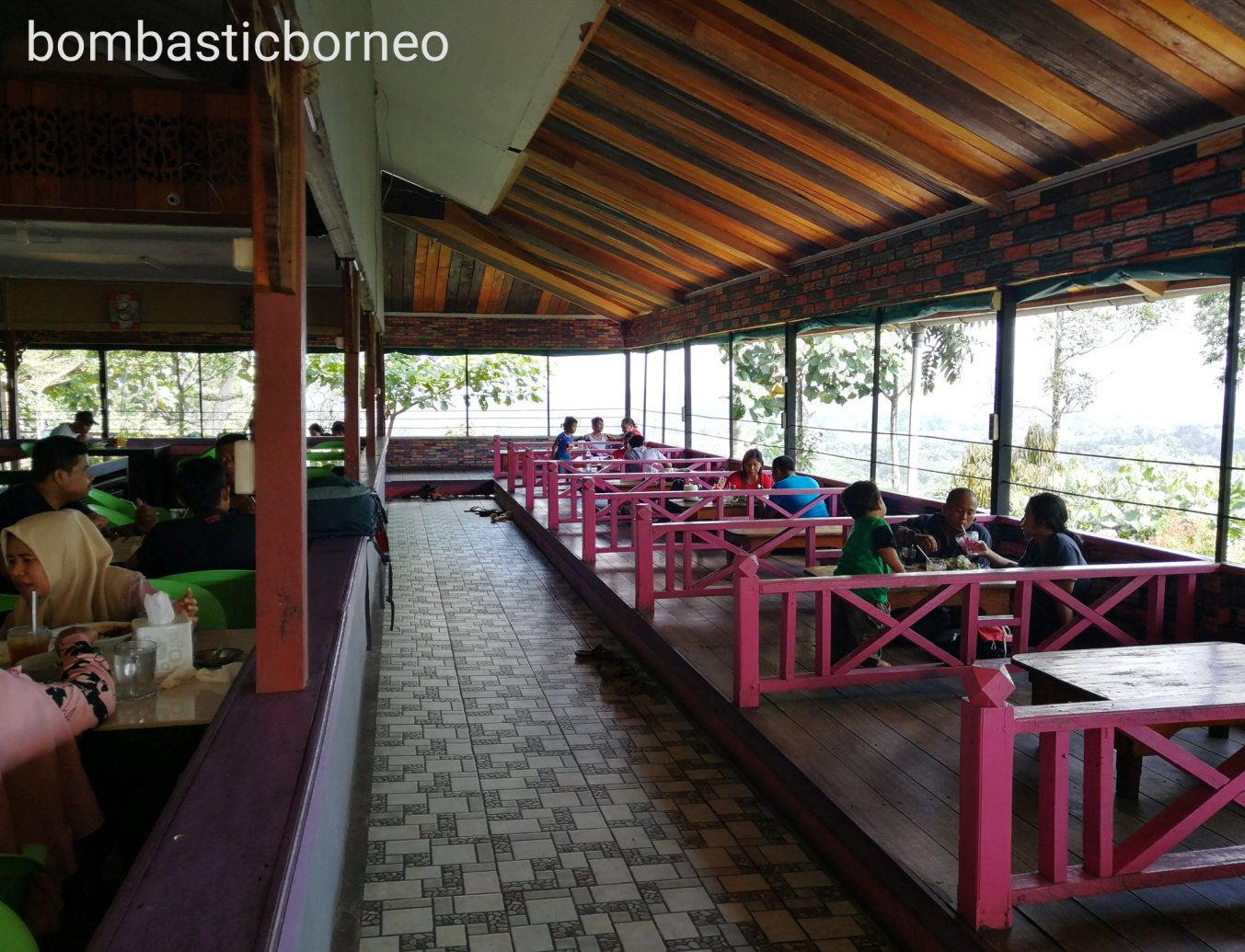 Sekadau, backpackers, destination, native, Dayak Desa, Sungai Kapuas, Borneo, Kalimantan Barat, tourism, tourist attraction, travel guide, Cross Border, 婆罗洲游踪, 印尼西加里曼丹