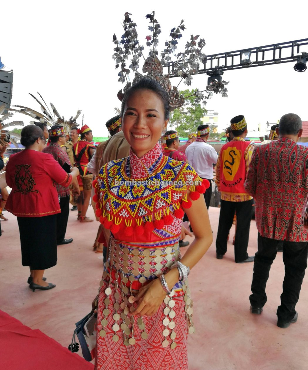 paddy harvest festival, indigenous, traditional, culture, event, native,, ethnic, tribe, West Kalimantan, Obyek wisata, thanksgiving, Tourism, Trans Border, 印尼西加里曼丹, 婆罗洲传统丰收节