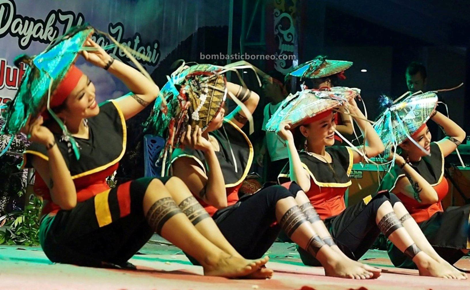 rice harvest festival, traditional, indigenous, Borneo, West Kalimantan, ethnic, native, tribal, tribe, Obyek wisata, Tourism, travel guide, cross border, 新党土著传统文化, 印尼西加里曼丹