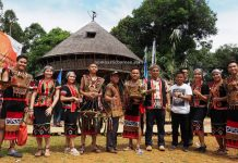 Gawia Sowa, Rumah Adat Baluk, authentic, backpackers, culture, dayak bidayuh, native, tribe, Jagoi Babang, Obyek wisata, Tourism, travel guide, Trans Borneo, 印尼西加里曼丹, 孟加映原住民比达友族,