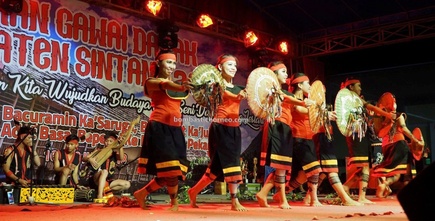 Stadion Baning, authentic, traditional, indigenous, destination, cultural dance, Borneo, native, tribal, Tourism, tourist attraction, travel guide, cross border, 婆罗洲西加里曼丹, 原住民传统舞蹈